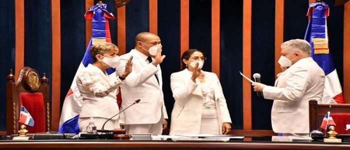 Senado instala bufete directivo y deja abierta la segunda legislatura